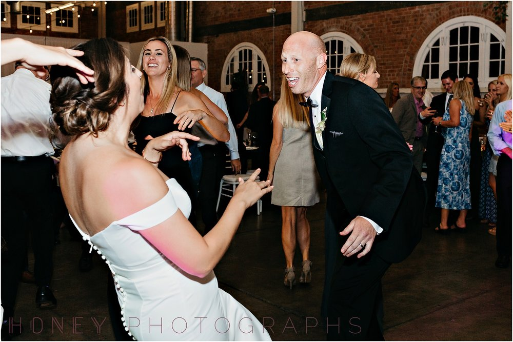 brick_warehouse_liberty_station_urban_classic_wedding060.jpg