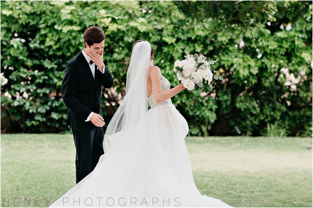 la_jolla_timeless_classic_elegant_cliffs_beach_black_tie_wedding014.jpg