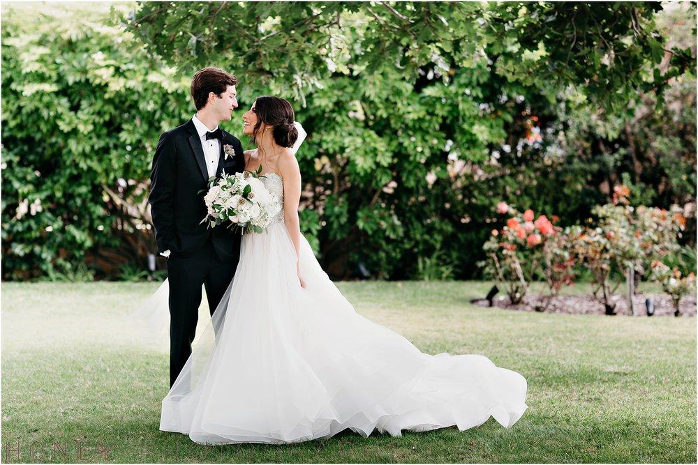 la_jolla_timeless_classic_elegant_cliffs_beach_black_tie_wedding020.jpg