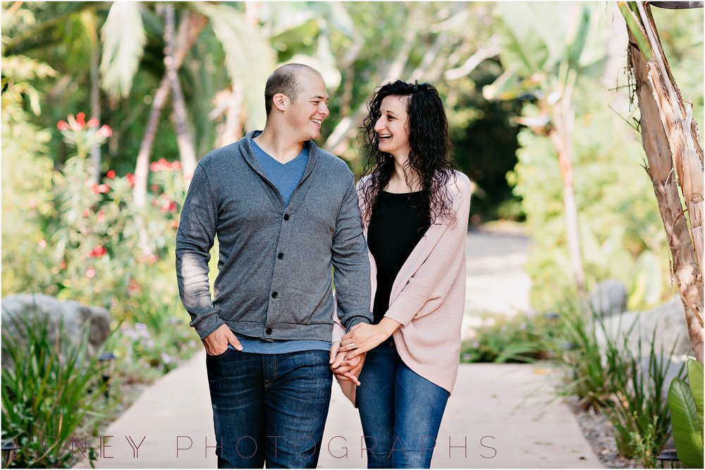 paradise_falls_green_lush_tropical_oceanside_engagement003.jpg
