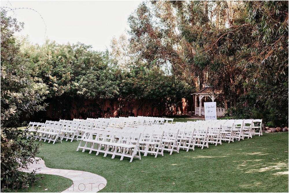 twin_oaks_garden_estate_fall_winter_burgundy_wedding013.jpg