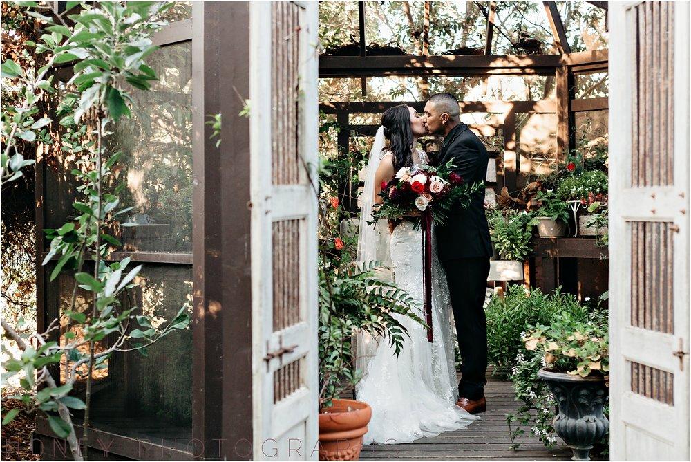 twin_oaks_garden_estate_fall_winter_burgundy_wedding030.jpg