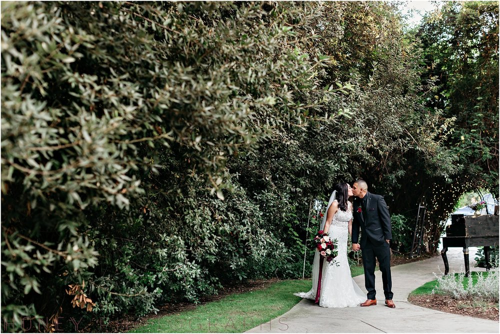 twin_oaks_garden_estate_fall_winter_burgundy_wedding035.jpg