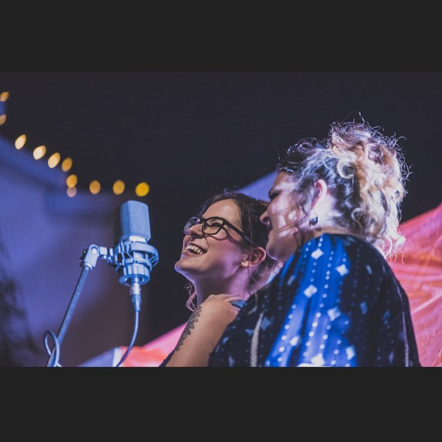 Another throwback to #buskerfest 🎸Ann & Heather❤️ stream our first single #sharethesky today! Link in bio. Come out on Saturday to #boathousecollective to see us in the flesh! #ocmusic #lbmusic #oclivemusic #lblivemusic #buskerfest #janie #americana #montebrerecords