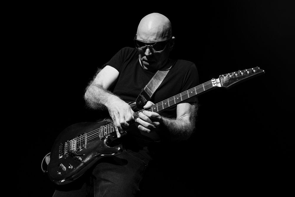 Joe Satriani-5.jpg