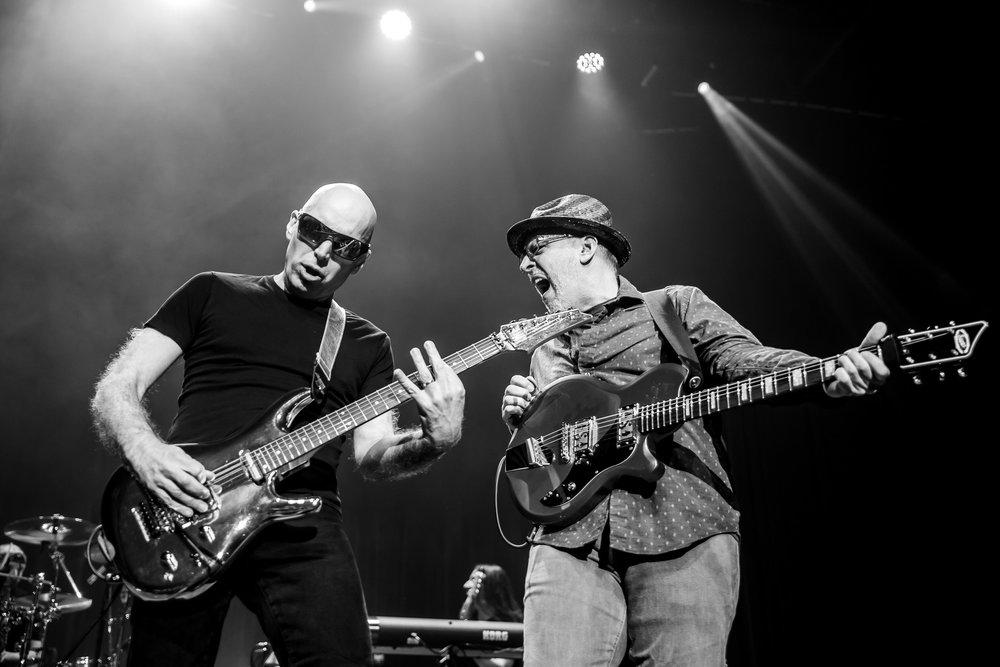 Joe Satriani-4.jpg