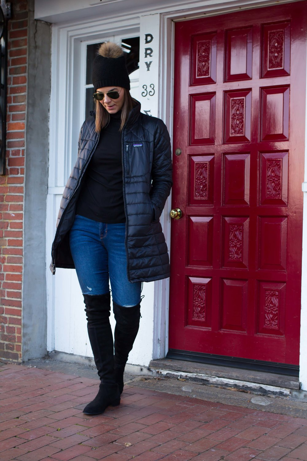 Winter Outfit Ideas – Weekend Outfits – Casual Outfits – Fashion for Women – Patagonia Jacket Outfits – OTK Boots Outfit – Pom Pom Hat Outfits – Street Style Outfits –  heartandseam.com  #heartandseam