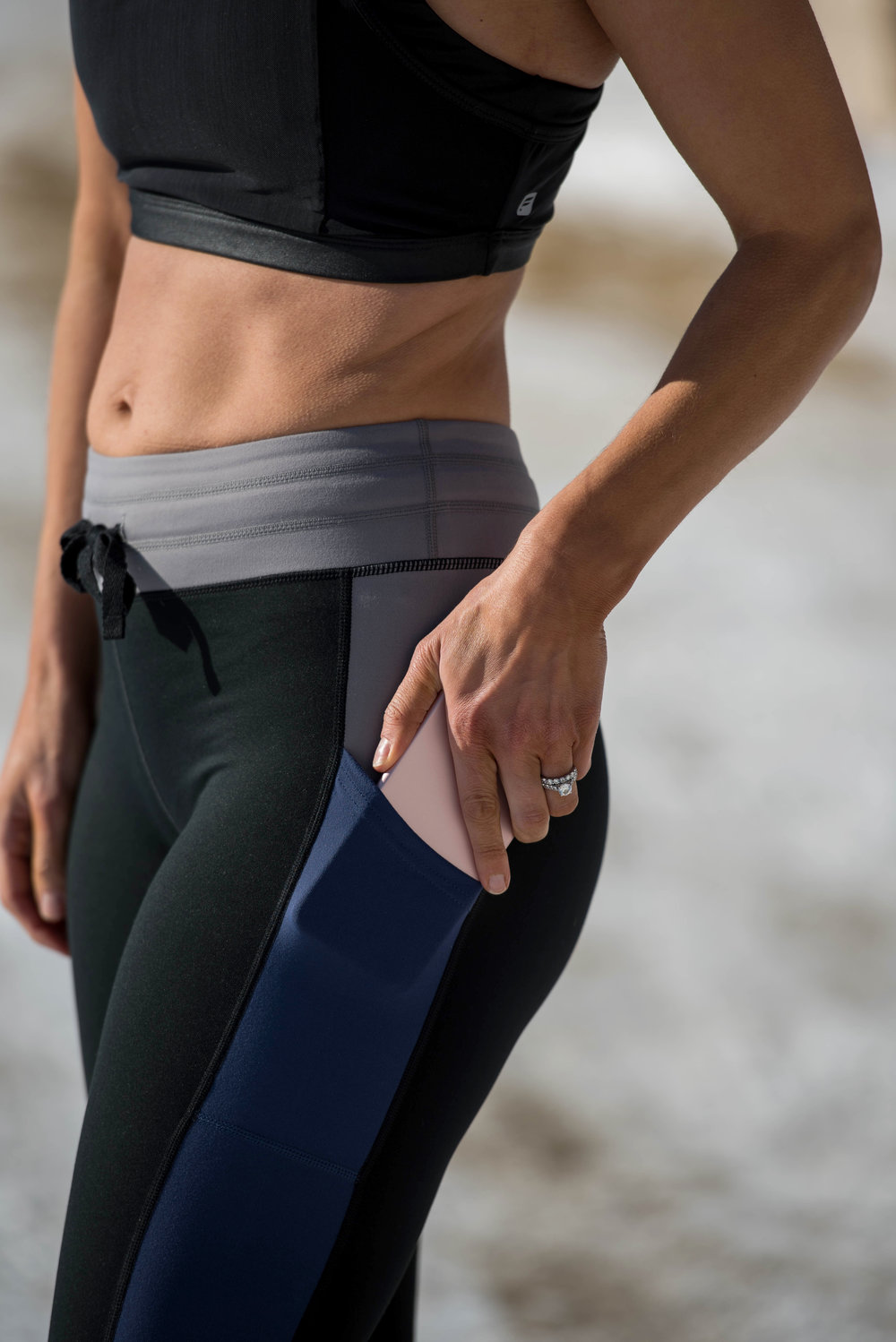 Workout Outfits - Fitness Outfits - Athleisure Outfits-  Fashion for Women - Fitness for Women - Fabletics Outfit  heartandseam.com  #heartandseam #fabletics
