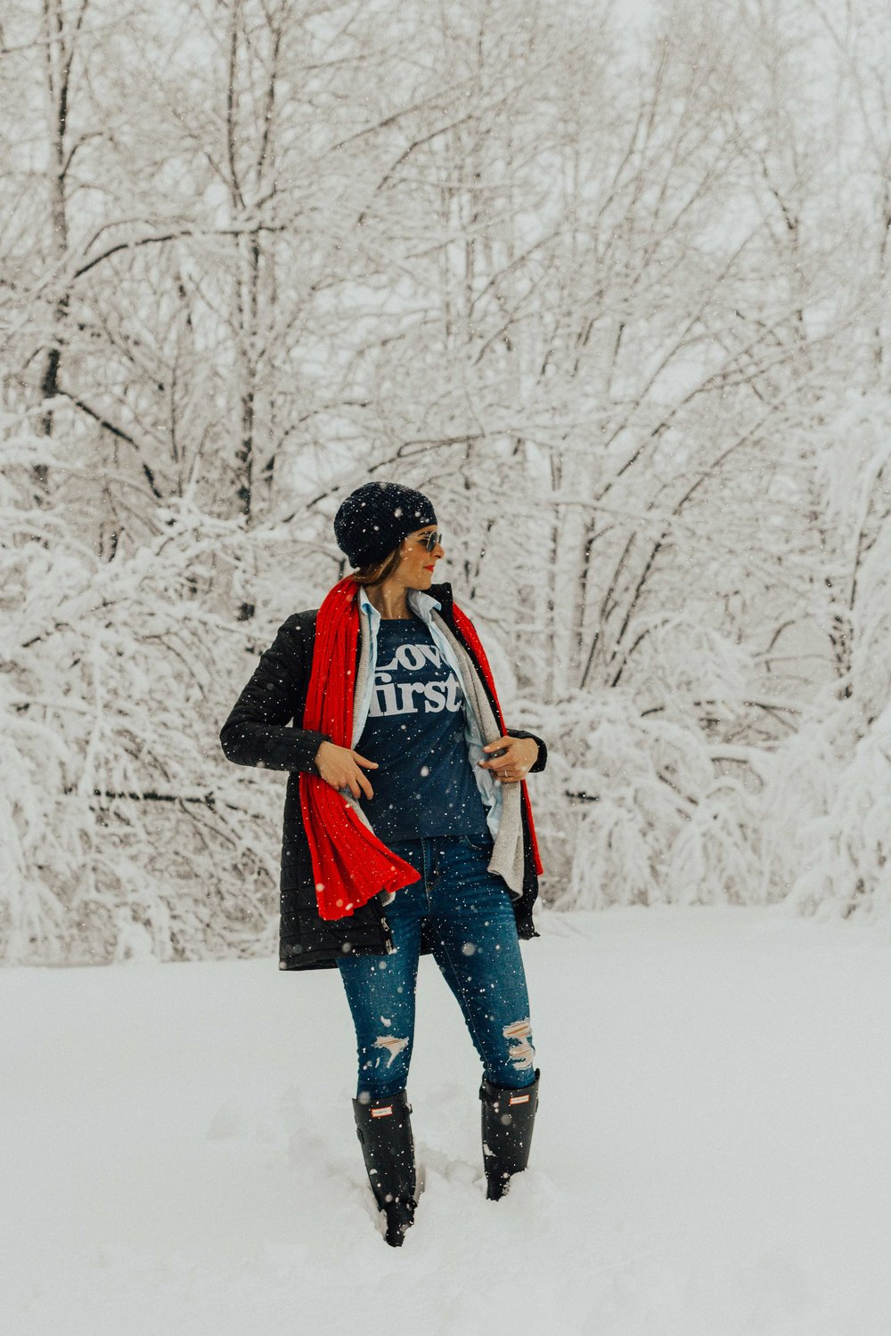 Casual Outfits - Winter Outfits - Fashion for Women –Hunter Boots Outfit Ideas  www.heartnandseam.com  #heartandseam