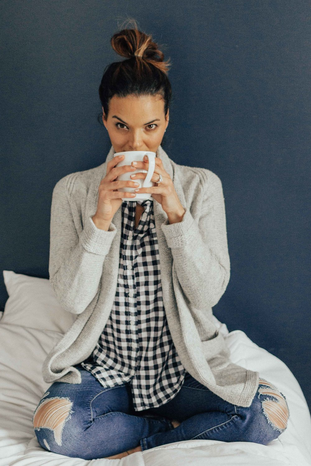 Casual Outfits- Morning Routine – Tips for an Easier Morning Routine- Women's Fashion Ideas –  www.heartandseam.com  - #heartandseam # morningroutine