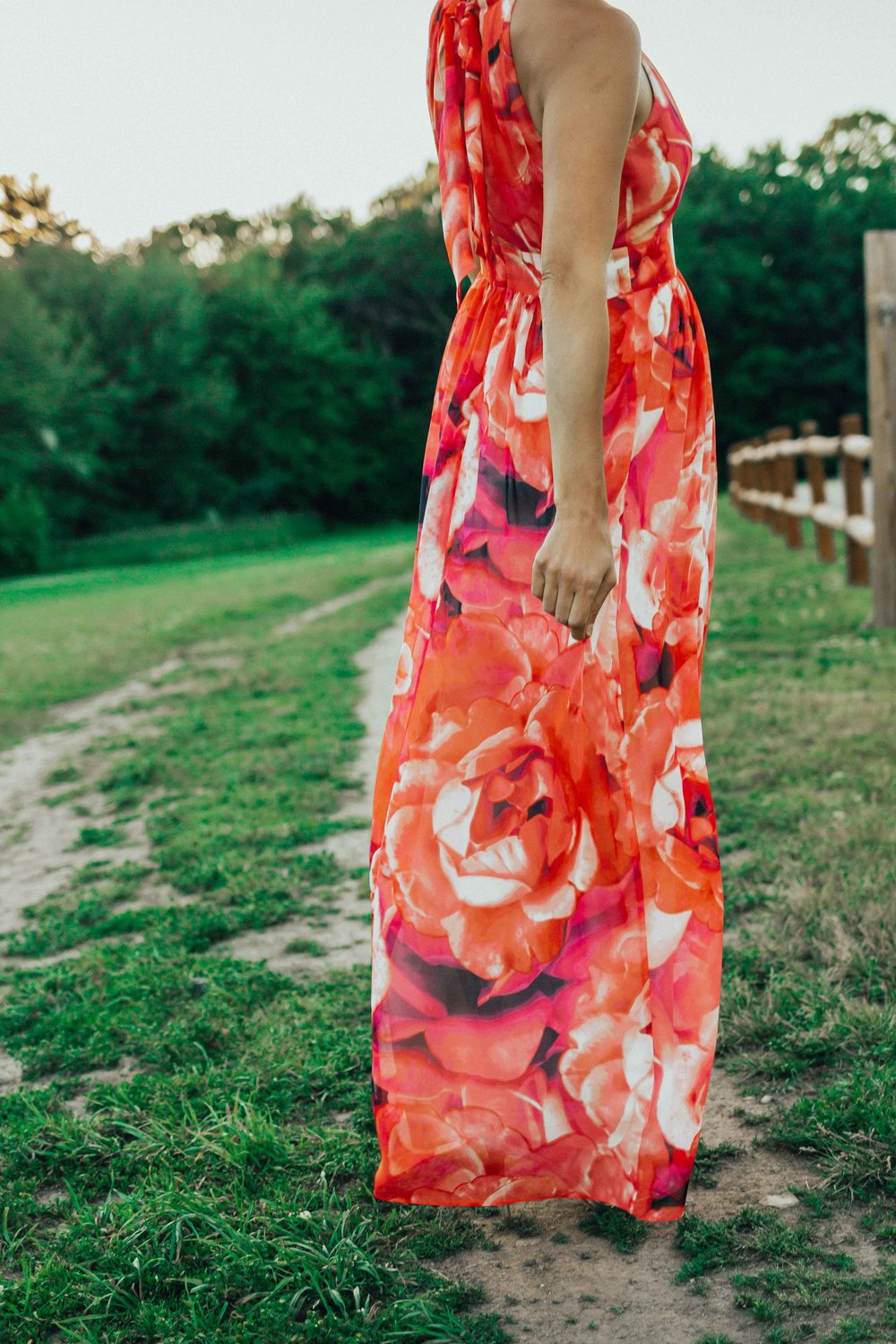 Floral Maxi Dress - Floral Maxi Dress Outfit - Eliza J Dresses - Eliza J Maxi Dress - Maxi Dresses for Summer - Maxi Dresses for Summer Weddings - #heartandseam #elizaj #maxidress  www.heartandseam.com