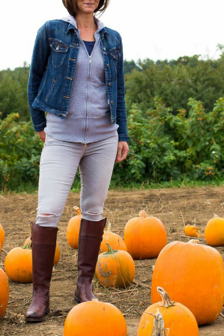 Layered Hoodie Outfit – Sweatshirt Outfit – Fall Street Style – Fall Outfit Ideas – Fall Fashion – Frye Boots Outfit – Fall Fashion - #heartandseam  www.heartandseam.com