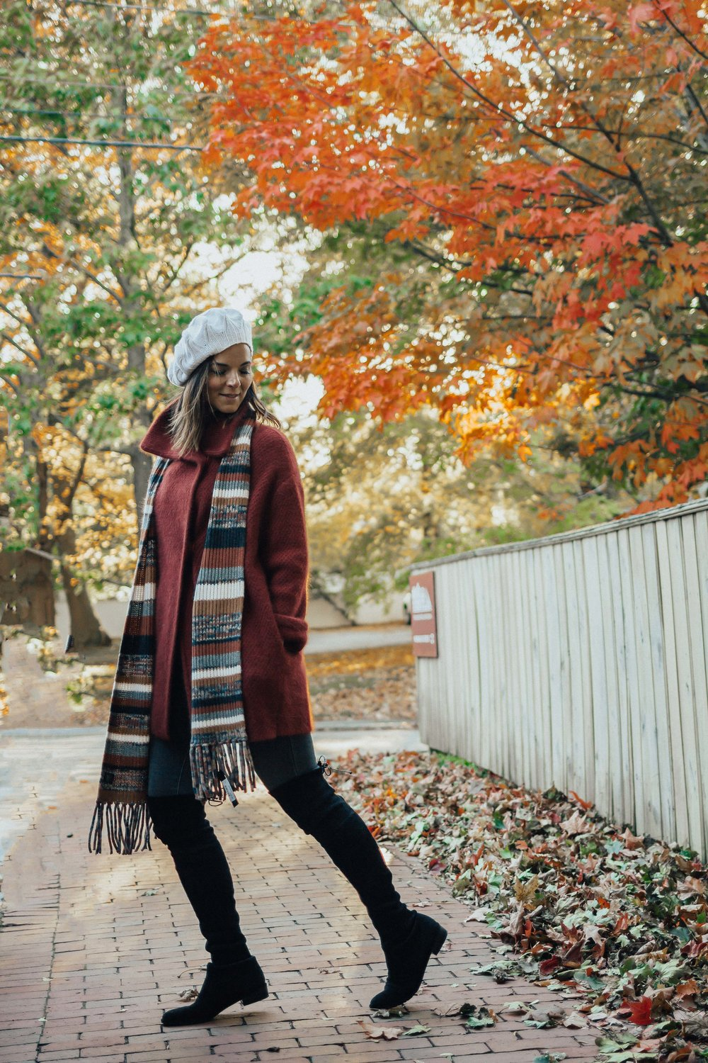 Fall Outfit Idea – Beret Outfit Ideas – Chic Hats for Fall- Fashion for Women – Fall Hat Outfits – Cape Outfits for Fall – OTK Boot Outfit Ideas – Beret Outfit for Women- Fedora Hats for Women – Best Hats for Fall – Fall Hat Ideas - #heartandseam  www.heartandseam.com