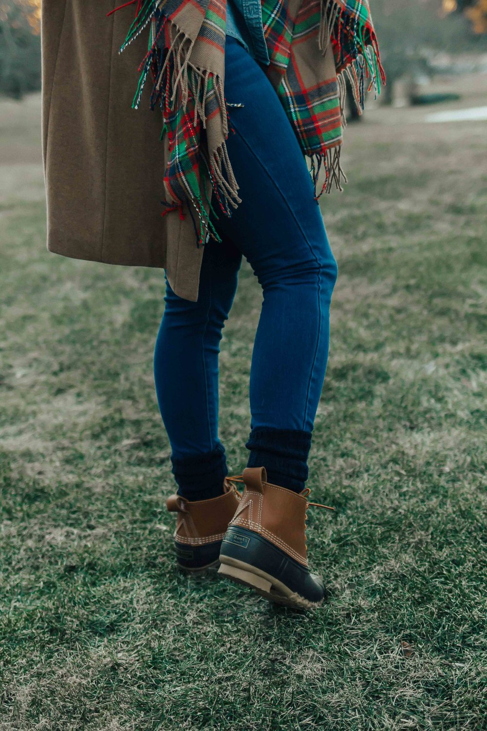 Bean Boots Outfit – Bean Boots Outfit Winter – Bean Boots Outfit Rainy Days – Bean Boots Wool Socks – Bean Boots Leggings – Casual Winter Outfits – Winter Outfit Ideas – Casual Winter Outfits with Boots – Winter Outfit Ideas for Women – Casual Winter Outfits for Women #heartandseam #beanboots #casualwinterstyle  www.heartandseam.com