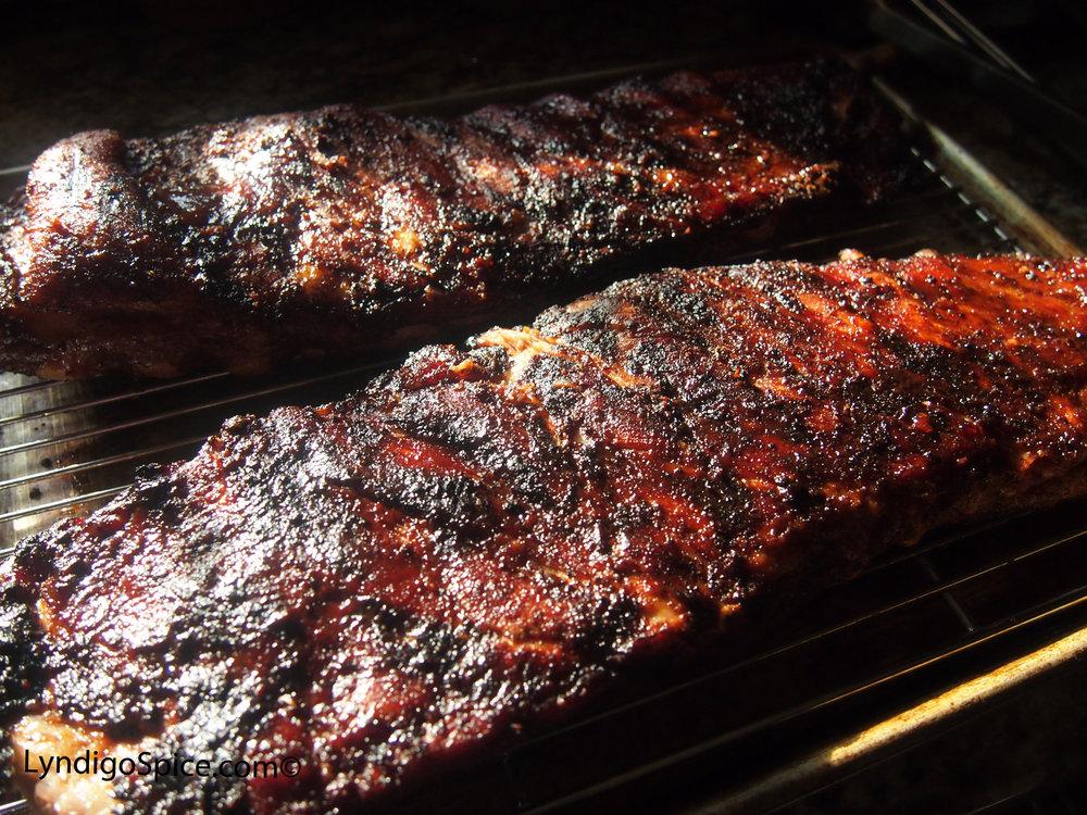 Lyndigo Spice® Original Spice Rub smoked ribs.