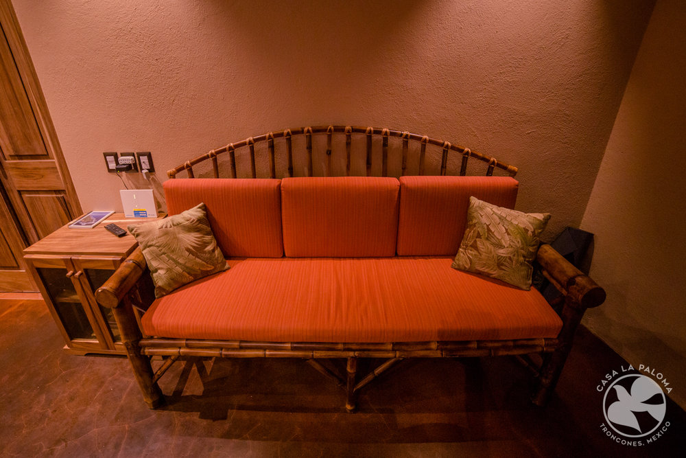Sofá de bambú en el rincón!