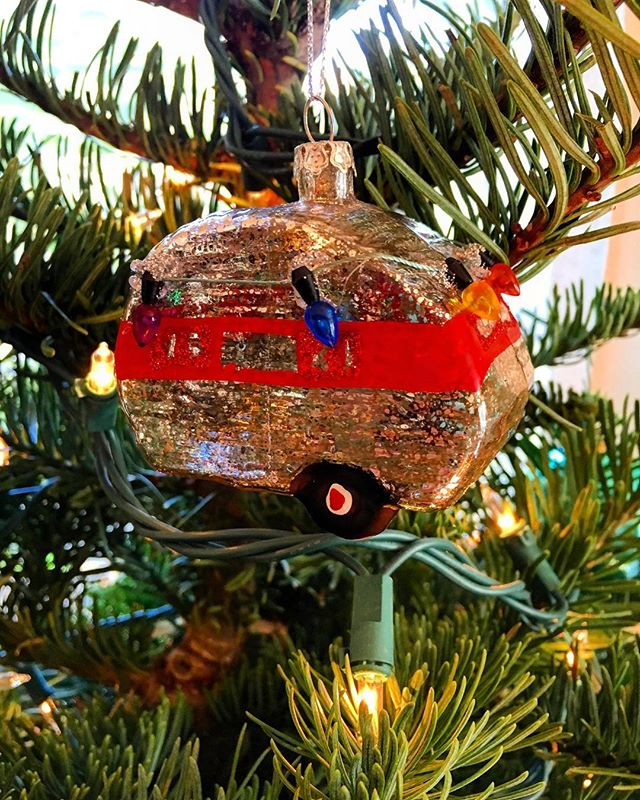 Canned hams all over the 🎄! #burstwithjoy #rvftaornament