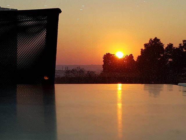 #howopenareyou to start your day early? Our team is on site and ready to make this day as beautiful as the sun rise in the office! . . . #sunrise #office #earlybird #cowork #coworkinglife #coworkingspace #photography #desk #youroffice #community