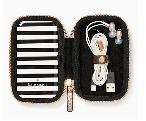 Earbud/Charger Gift Set