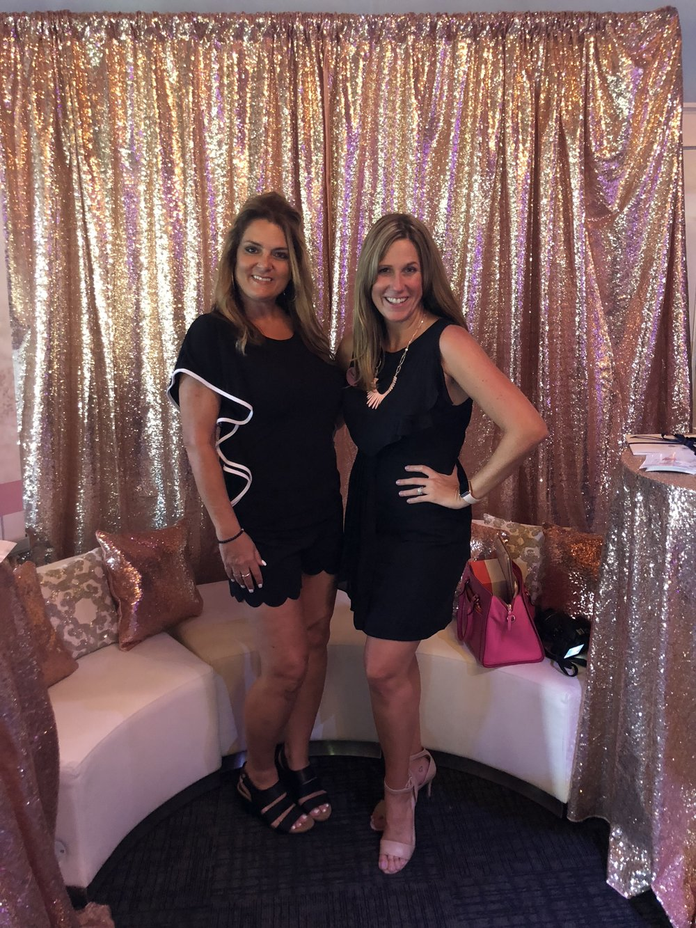 """Katrina from Fresh Perspective Event Planner had one of the prettiest booths! She is also the creator of """"Babes and Bubbly"""" ….you have to follow her! She is also wearing my Rapid Tan 💪🏽"""