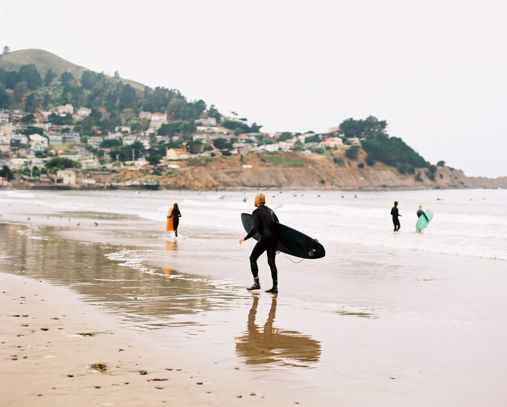 SURFING ON THE PACIFIC COAST