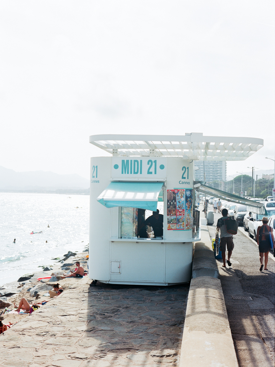 CANNES PLAGE DU MIDI, FAST FOOD STAND 21