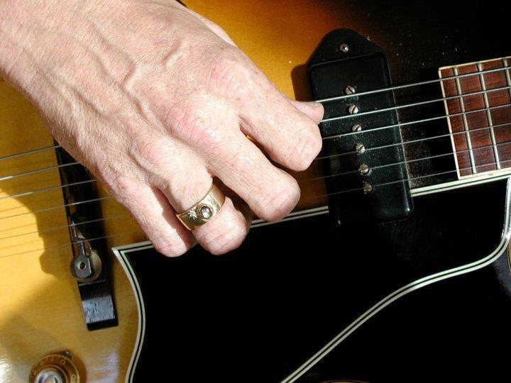 Ed Dee's Gibson