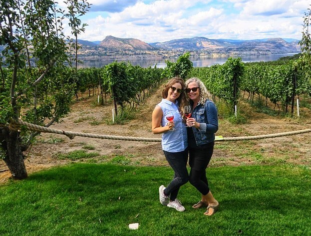 Is this Tuscany or is this Canada? If you guessed Canada you are right! Although I am in Italy right now, I am wishing my mom happy Mother's Day ❤️🍷 She is truly one of a kind, and I am so lucky to have her as my Mom. Can't wait to drink wine in the Tuscany of Canada with you in August. Love you and sending hugs & wine from Italy 🇮🇹 @lotusgal —————————————————————- #mothersday #canadagram #okanaganlifestyle #insta_canada #familytime❤️