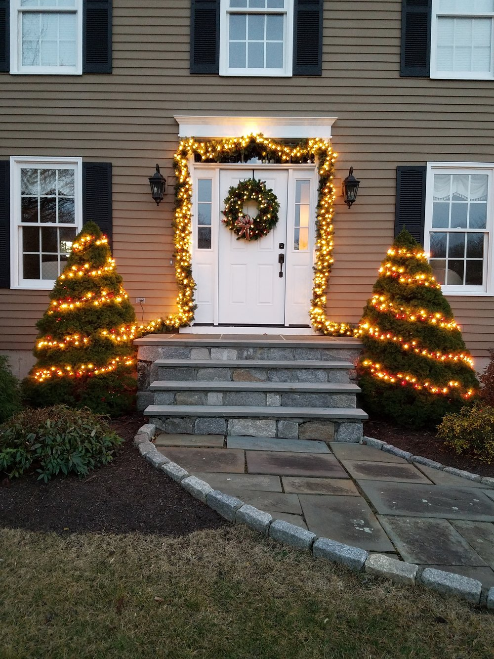 year round - Seasonal Displays