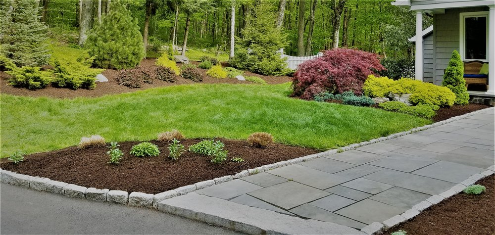 STONE WALKWAYS - From concept to completion, new installation, maintenance or renovation, Shevlin Landscape Services specializes in creating beautiful stone designs to perfectly fit your area of need.
