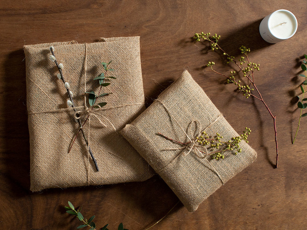 Natural and environmentally friendly gift wrap