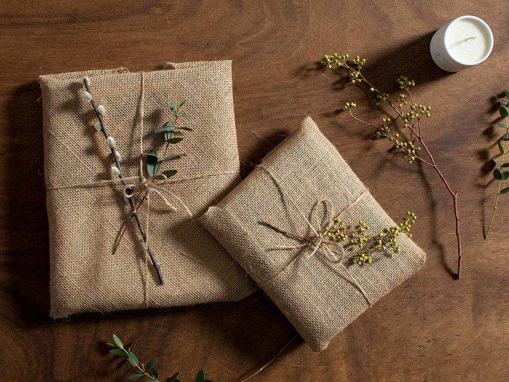 Natural and environmentally friendly gift wrap