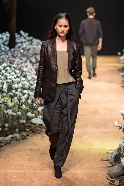 ELLE Vietnam fashion runway: Sebastian Graetz