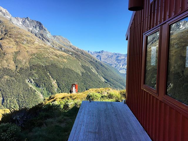 New Zealand, where your rejuvenating escape can be a hike in Mt Aspiring National Park 😍#placemakesnz