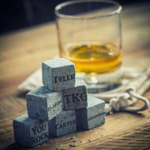 bar-whiskey-chilling-stones-1_large.jpg
