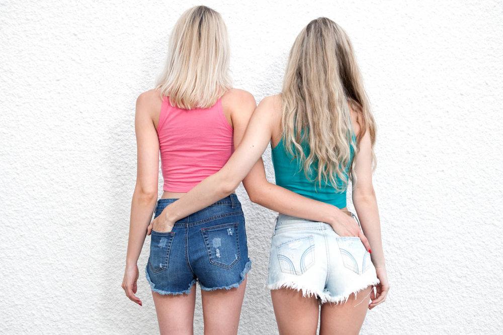 FH1-2016Summer-Caroline&Sara-LowRes-26.jpg
