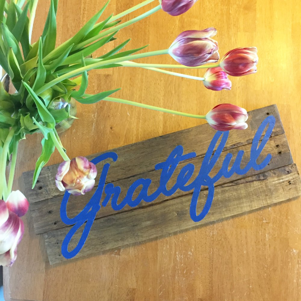 DIY Grateful Sign