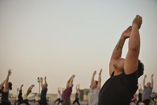 stretching_group.jpg