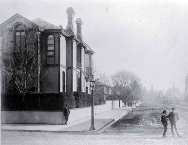 The Canterbury Club on the Corner of Worcester Boulevard and Cambridge Terrace c. 1882. Photo: Christchurch City Libraries, PhotoCD13, IMG0060.