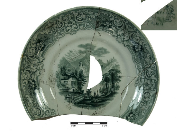Plate with ... pattern