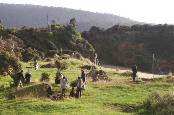 Excavations at a 14th century archaeological site in the Catlins. Image: K. Webb.