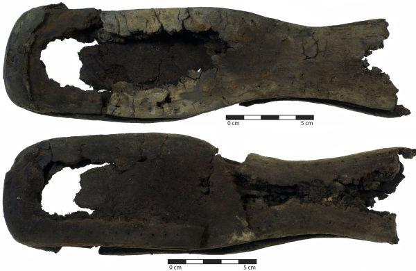 Figure 1. Straight last shoe with 30 mm sole waist. Image: C. Dickson.