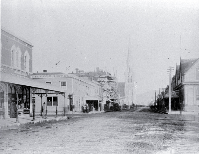 Colombo Street between Gloucester and Armagh in 1882. Sydenham house would have stood in the block on the left of the image, between the Golden Fleece hotel and Gloucester Street. Image: