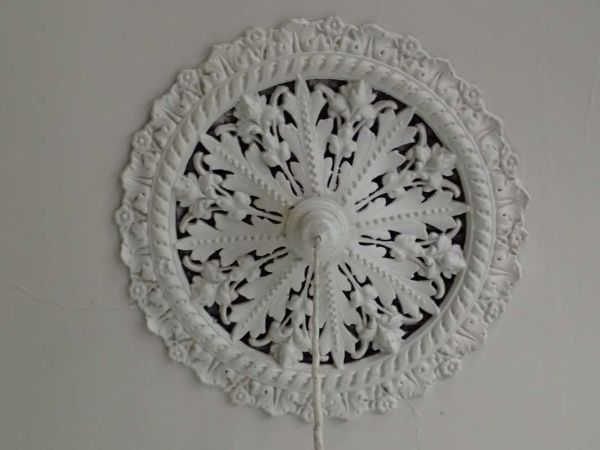 Another ceiling rose, in another room.