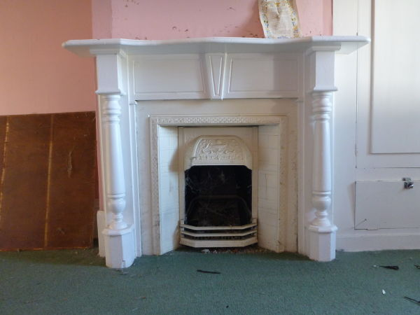I think the columns on this one look a bit like chair legs. Image: K. Webb.