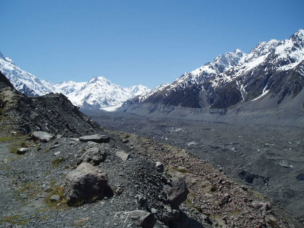Surprisingly, I've no (digital) photographs of Aoraki/Mt Cook. Instead, I offer you the De La Beche Ridge, with the Tasman glacier in the foreground. Image: K. Watson.
