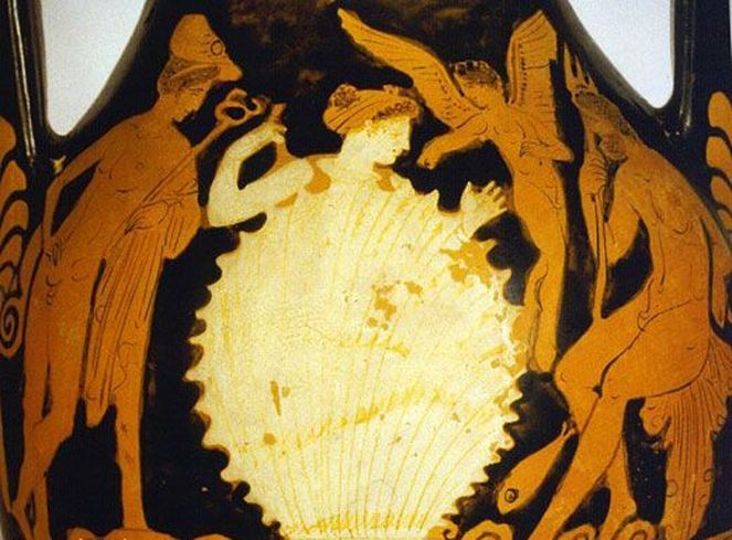 Aphrodite and her mollusk shell. Attic Red Figure, ca 370 - 360 BC, Museo Archeologico Nazionale, Salonica, Italy.
