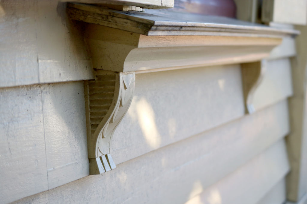 Decorative corbels beneath the sill of the same exterior window. Image: L. Tremlett.