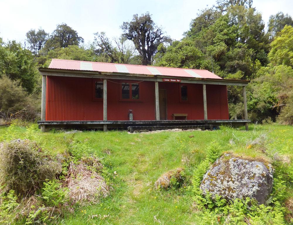 Locke Stream Hut. Image: K. Watson.