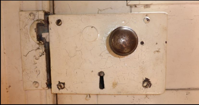 Rim lock from a central city house. Image: P. Mitchell.